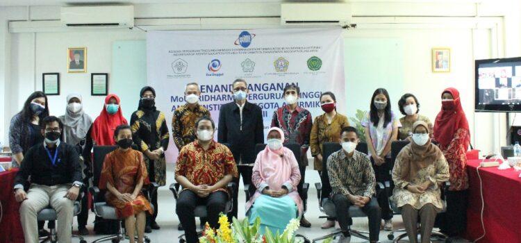 """APTIRMIKI Koordinator Wilayah 3 (Korwil 3 / DKI dan Banten), Lakukan Penandatangan MOU """"Kolaborasi Tri Dharma Antar Perguruan Tinggi"""""""